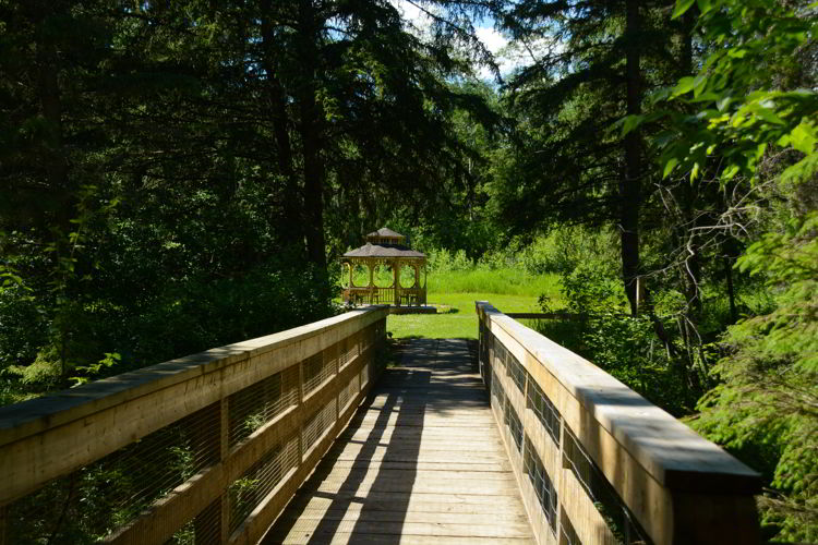 An image of the bridge and gazebo at Big Knife Provincial Park in Alberta, Canada