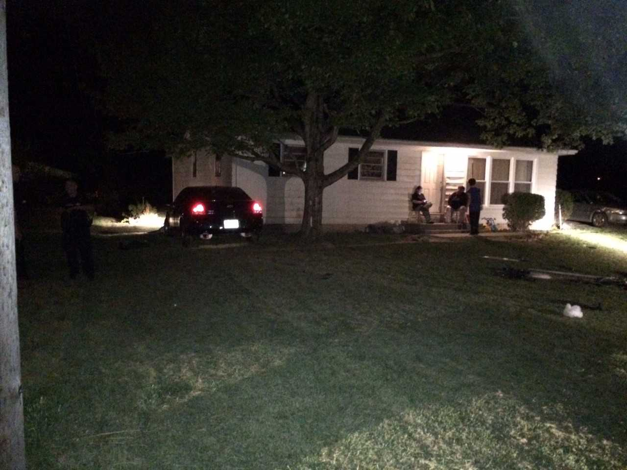 Bowser Ave Car into House_279267