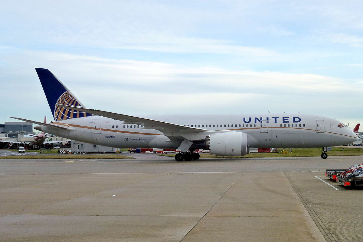 United Airlines plane_250318