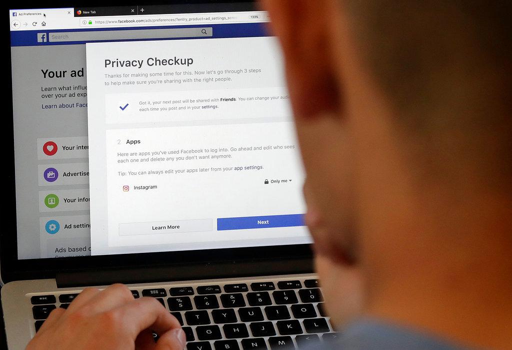 Facebook Privacy Scandal Change_1523372312772