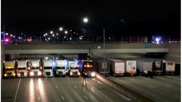 semi trucks on 696 MSP