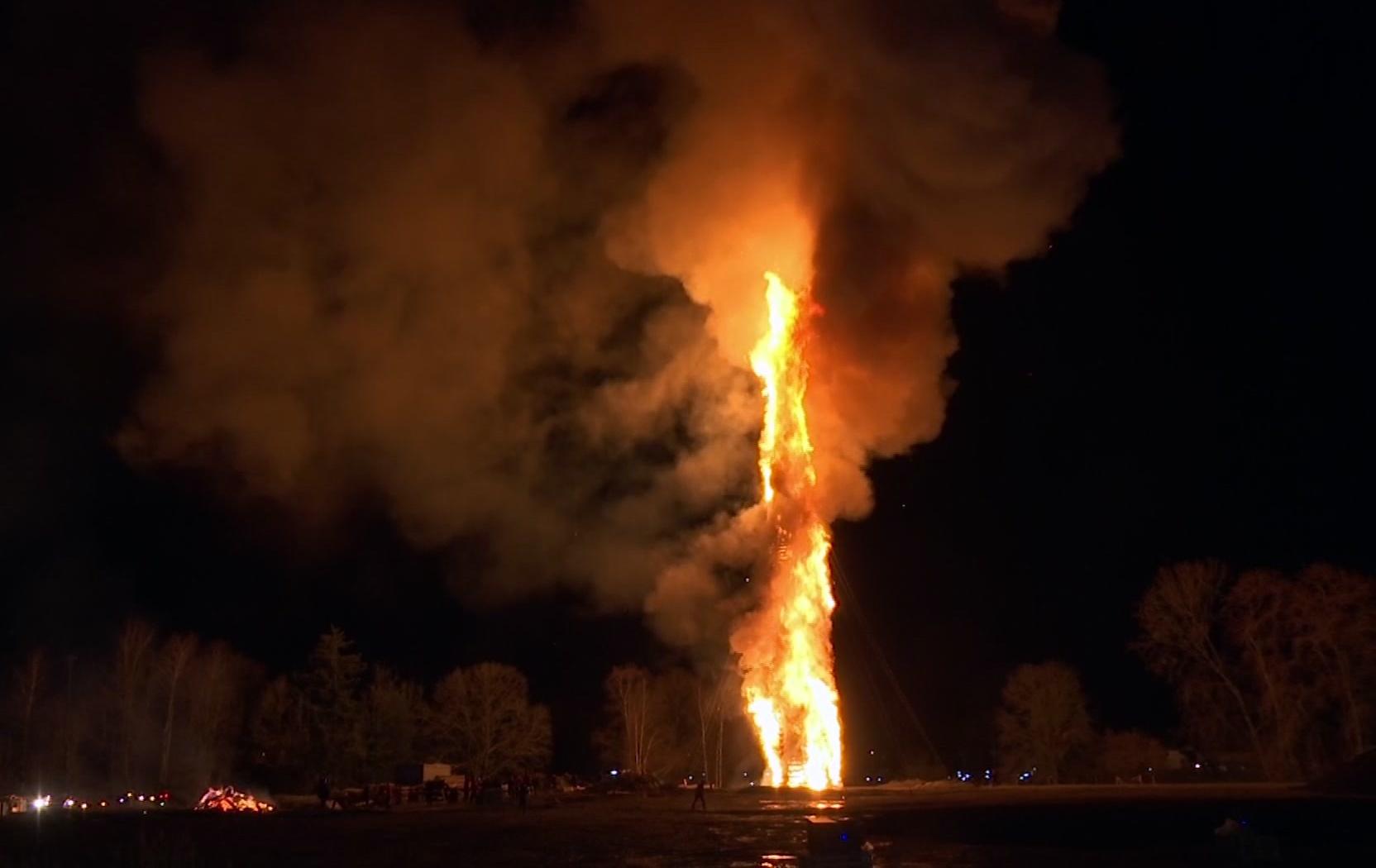Austria Big Bonfire_1552824764834