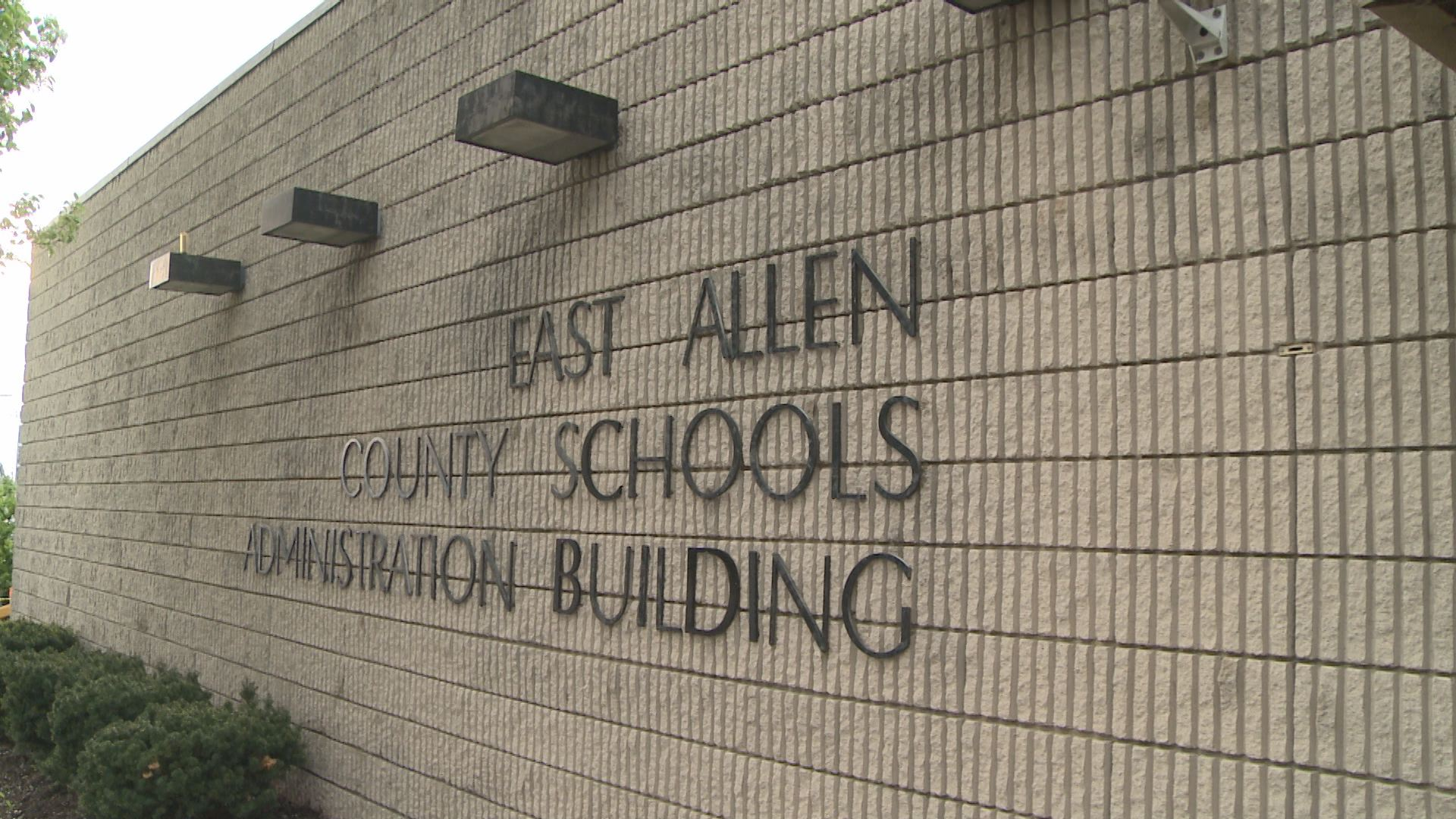 New Haven Middle School To Close In Eacs Transition
