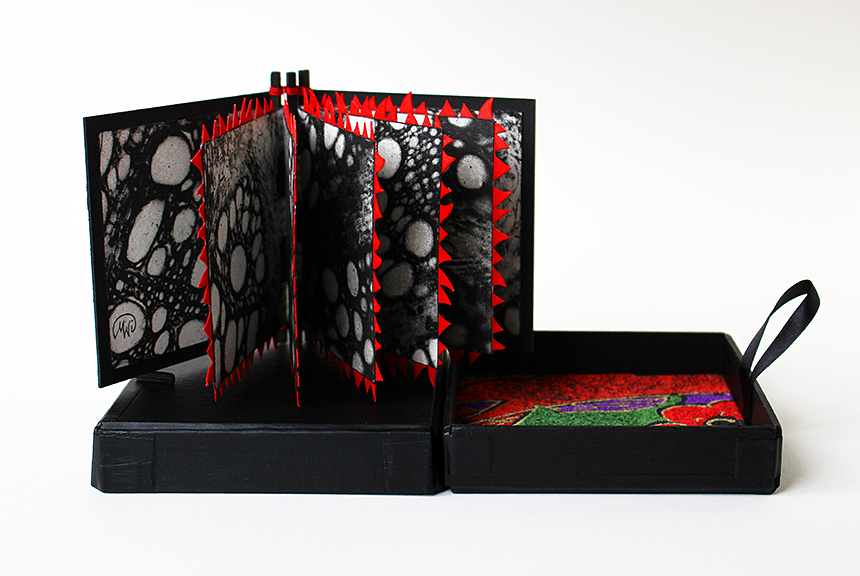 Blodsband, artists book i box
