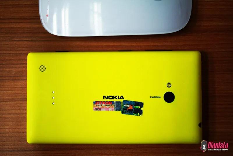 Bahagian belakang dan kamera Nokia Lumia 920