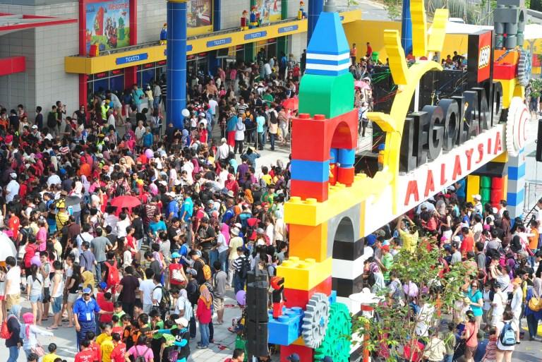 80% Pekerja taman tema Legoland anak Johor dengan gaji minima RM1600 sebulan
