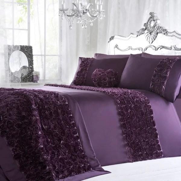 Idea dekorasi bilik tidur dengan menggunakan warna ungu