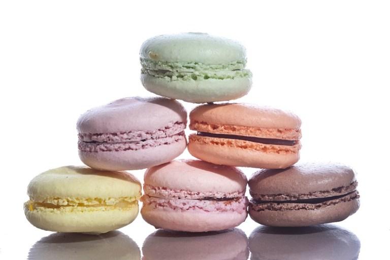 Tambah Seri Meja Juadah Raya Dengan Macarons Elevete