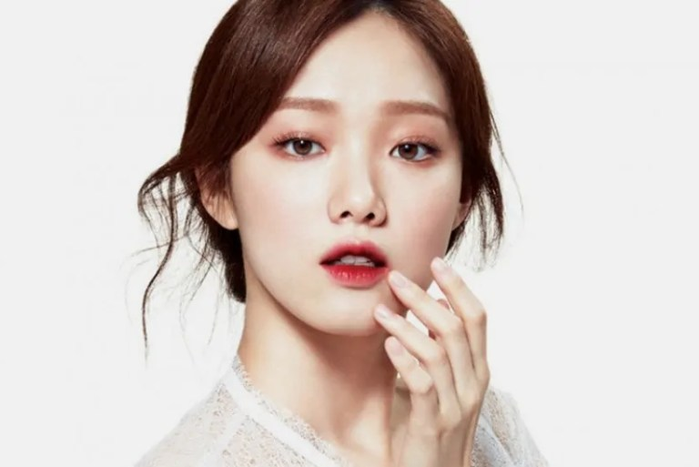 Selain Kening Bersepah, Ini Trend Lain K-Beauty 2018 Bakal Menyinar