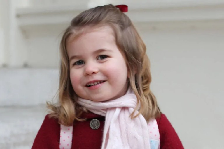Dah Besar! Kate Kongsi Foto Hari Pertama Princess Charlotte Masuk Taska