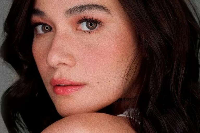 Pakai Lip Tint Bibir Kering, Cuba Tips Aktres Bea Alonzo Buat Bibir Lembap
