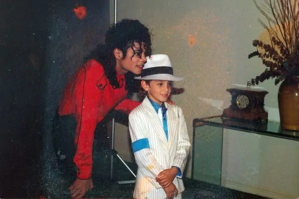 Lagu Micheal Jackson Haram Diputar Stesen Radio Kerana Tuduhan Pedofilia