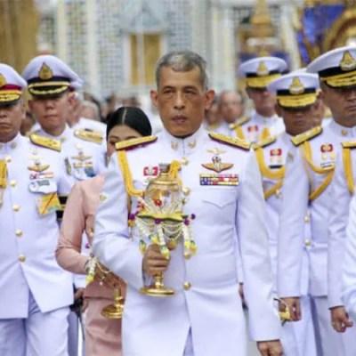 Fakta Mengejutkan Tentang Raja Thailand Yang Kaki Perempuan