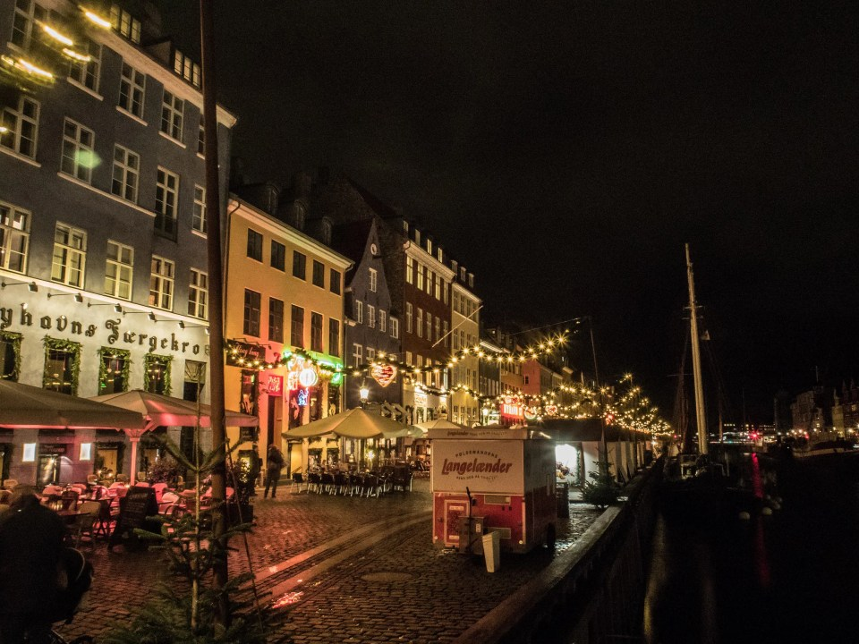 Christmas market in Nyhavn harbour