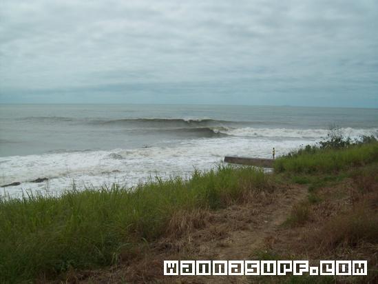Lamberts beach sladepoint mackay  Surfing in Far North