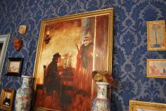 schilderijen te over in het salon