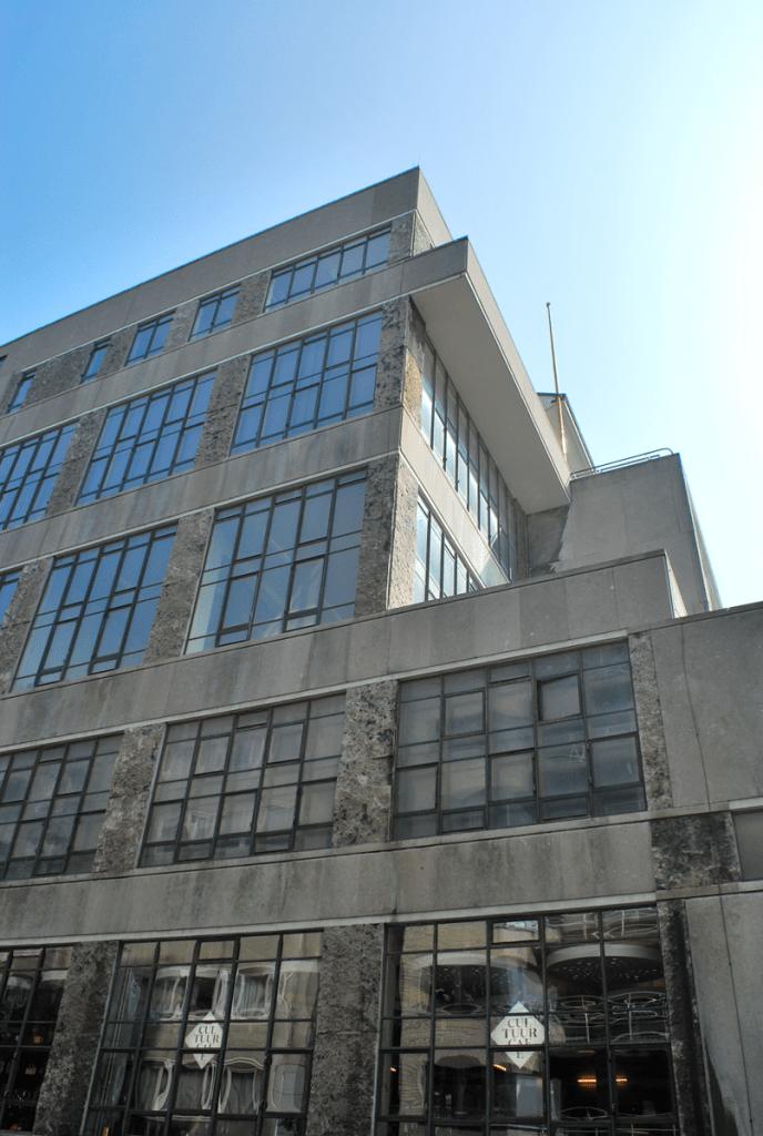 het oude PTT-gebouw