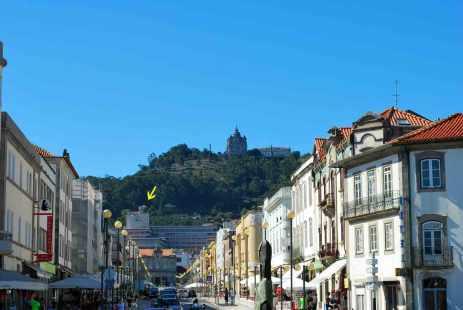 de hoofdstraat van Viano do Castelo