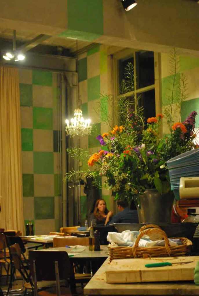 het restaurant van het hotel: fleurig
