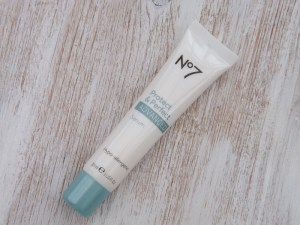 no 7 protect and perfect advance serum