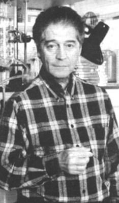 Professor Dr. Jacq. Benveniste (1935), ook wel 'mister Homeopathie' genoemd, stierf in 2004 als een gedesillusioneerd man. Inmiddels is er alle reden zijn pionierswerk, rondom het geheugen van water, in ere te herstellen!