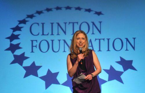 Het nieuwe directielid van de Clinton Foundation, Chelsea Clinton. Jazeker, dochter van..