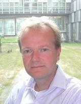 Dr. Ir. Coen Vermeeren schreef een indrukwekkend artikel over UFO's in het e-book.