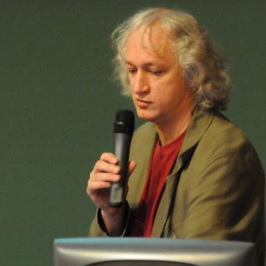 De Vlaams Roel Coutinho, of Geert Top, zoals hij door het leven gaat. Bleek in staat een psychiater op Peter Vereecke af te sturen..!