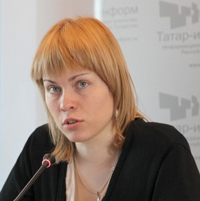 BBC-Rusland journaliste Olga Ivshina gedroeg zich volgens haar leidinggevende, precies tijdens de rampreportage rondom de MH17 als een pasbeginnende journaliste...