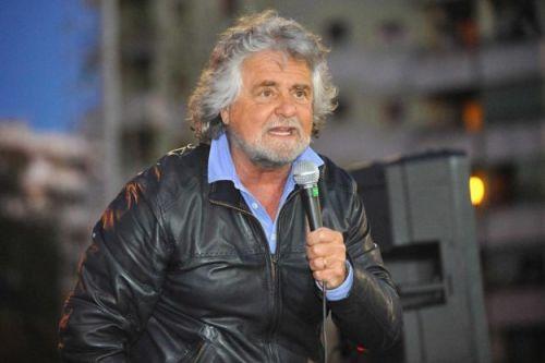 De passie voor zijn land straalt van hem af. Beppe Grillo heeft in Italië een democratische revolutie veroorzaakt. Mensen zijn wakker gemaakt.