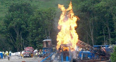 Een zogenaamde 'blow out' behoort tot de risico's van fracking, het winnen van schaliegas. Kennelijk is Henk Kamp met een PR-campagne bezig vóór schaliegas-winning. En waarom dan..??