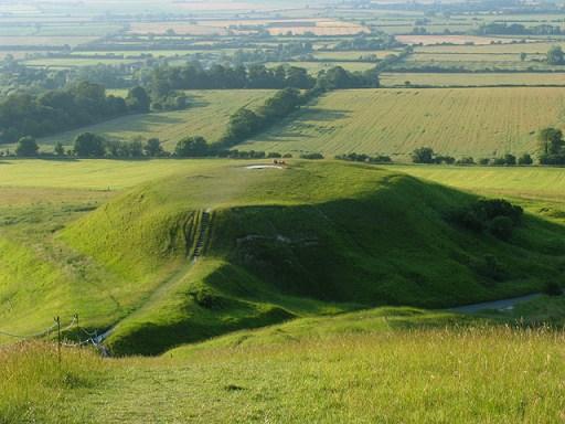 Dragon Hill, gefotografeerd vanaf de plek van het Witte Paard van Uffington.