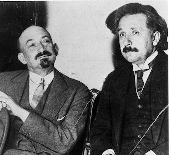 Albert Einstein liet zich in 1921 overhalen om Chaim Weizmann te vergezellen naar de VS, om een Zionistische fundraiser te steunen.