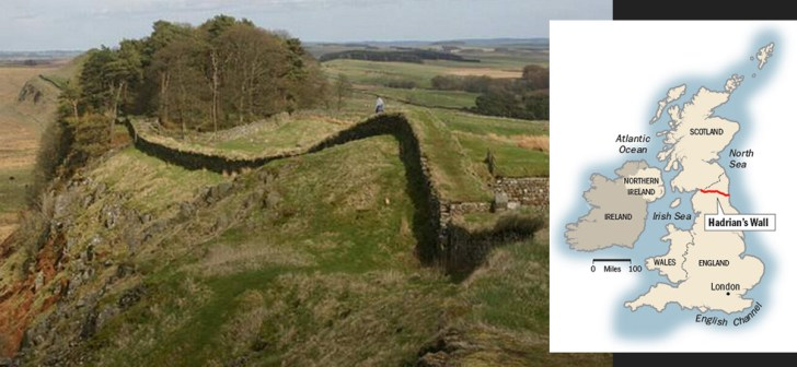 Teneinde het Romeinse zuiden van Engeland af te schermen van de barbaren uit het Noorden (o.a. de Schotten), bouwden de Romeinen, dwars door Engeland hun Hadrian Wall..!