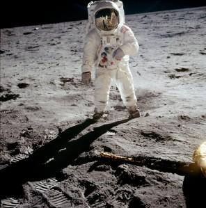 Zoeken naar bewoonbare planeten. De Maan misschien?