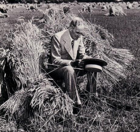 Henry Ford in het eerste Soja-kostuum