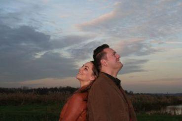 John en echtgenote Renske. Of van links naar rechts.. Renske met echtgenoot John..
