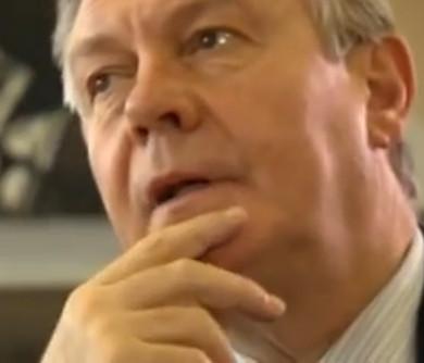 Deze -uiterst dubieuze- EU-commisaris, Karel van der Gucht, is al meer dan 10 jaar de Europese drijvende kracht achter het doorvoeren van TTIP en CETA. (Klik voor artikel)