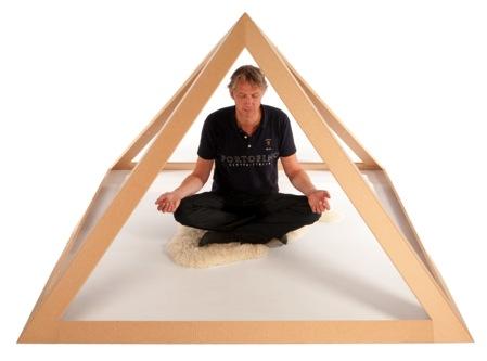 meditatie-piramide piramidekrachten