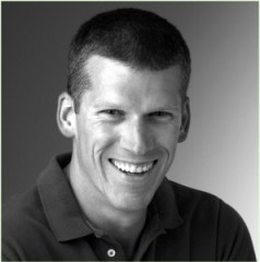 Mike Adams is een toegewijd mens, die de gezondheid van de Aarde en haar bewoners als zijn Passie en Plezier heeft gevonden.