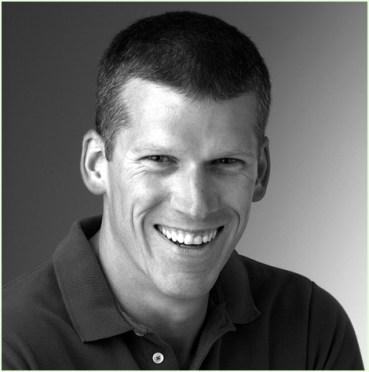Mike Adams, gezondheidsjournalist, een man die met open vizier in de slag is om waarheidsvinding.