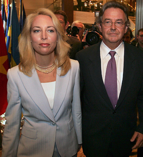 Het verraad van de krachten achter de VS in één plaatje.. CIA-agente Valerie Plame en haar man, ambassadeur Joseph Wilson; beiden keihard verraden door de regering George Bush jr.