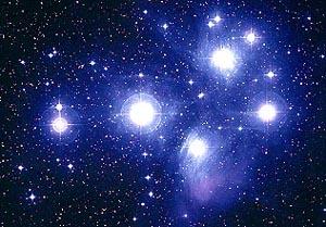 Om te vergelijken en/of te doorvoelen.. De Pleiaden zoals die zich aan de hemel aan ons laten zien.