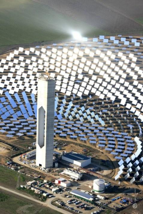 PS20 in Sevilla, de grootste zonne-energie centrale in Europa. Gebaseerd op de CPS-techniek.