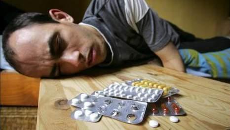 De afhankelijkheid van anti-depressiva bij gebruikers is alarmerend. Maar wordt door veel professionele wetenschappers en artsen, vaak afgedaan als 'bijwerking'..!