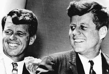 Robert én John Kennedy waren de laatste staatslieden die weerstand boden tegen de krachten die reeds volop werkzaam waren in en achter de Amerikaanse regering
