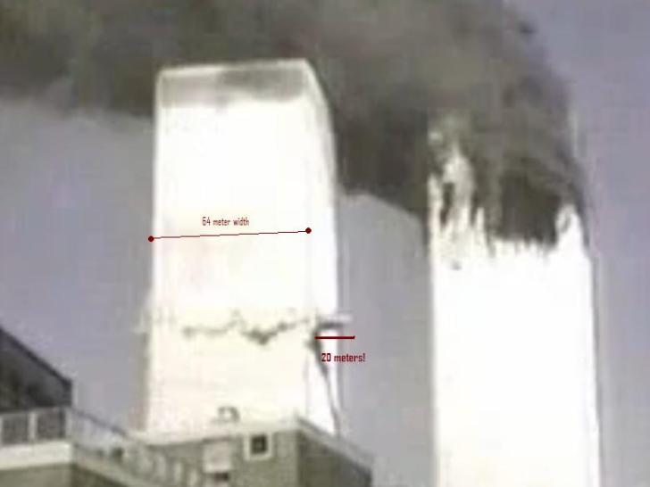 De tweede inslag op de WTC-torens. Een projectiel, dat 'geacht wordt' een passagiersvliegtuig van aluminium te zijn, zou zich om aan de andere kant, ongeschonden zoals je ziet, weer tevoorschijn te komen..