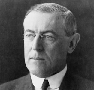 Woodrow Wilson overhandigde de Amerikaanse munt aan een stelletje financiële boeven.