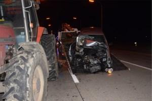 Warcoing : une voiture percute un tracteur
