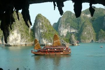 Goedkope rechtstreekse vliegtickets naar Vietnam tijdens de beste reisperiode
